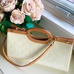 Louis Vuitton Roxbury drive pearl bag